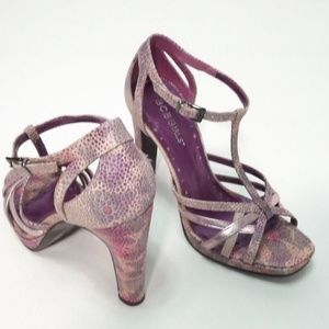 BCBG Womens Shoes Size 5 B  Stylish Pink Metallic